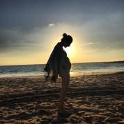 Jewel Staite - pregnant bikini Instagram pics 26.7.2015 x2