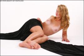 http://thumbnails113.imagebam.com/42897/bda403428960929.jpg