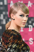 Taylor Swift - 2015 MTV Video Music Awards 08/30/15