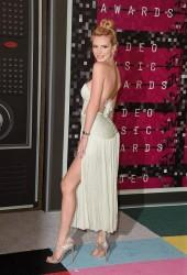 Bella Thorne - MTV Video Music Awards 8/30/15