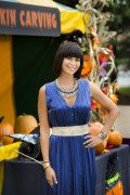 Catherine Bell - Good Witch 2x01 Stills x2