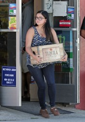 Ariel Winter on the set of Modern Family in Los Angeles - 9/17/15