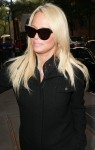 Pamela Anderson Seen at 'The View' in New York September 21-2015 x4