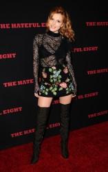 """MEGA POST: Bella Thorne con espectaculares botas en el estreno de """"The Hateful Eight"""" en Los Angeles (7/12/15) 136c6a451548622"""