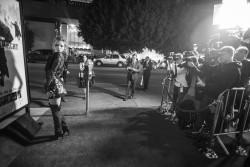 """MEGA POST: Bella Thorne con espectaculares botas en el estreno de """"The Hateful Eight"""" en Los Angeles (7/12/15) Bdadbe451555405"""