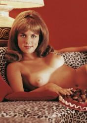 Joanna pettet nude